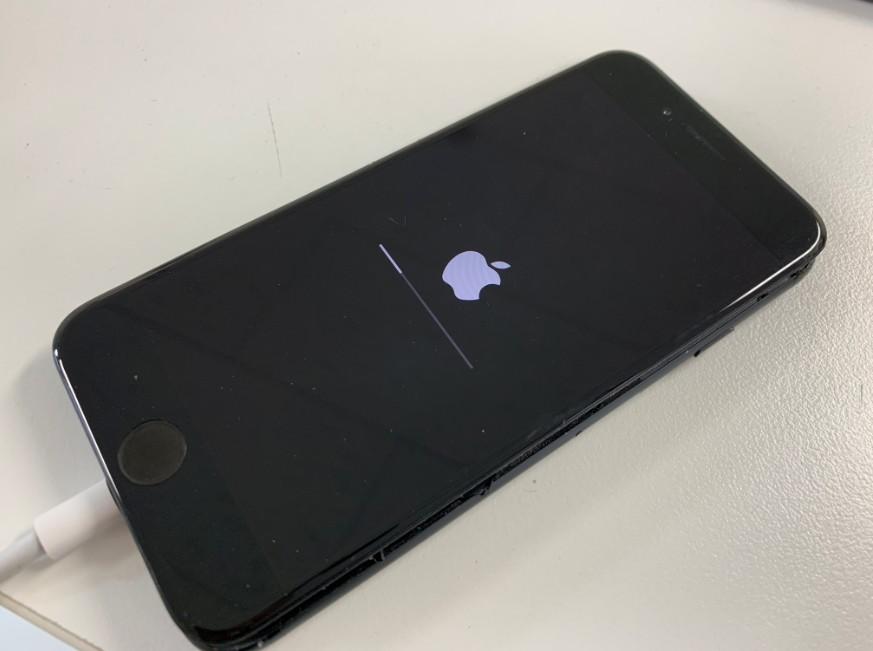 リンゴマークから先に進まなくなったiPhone6