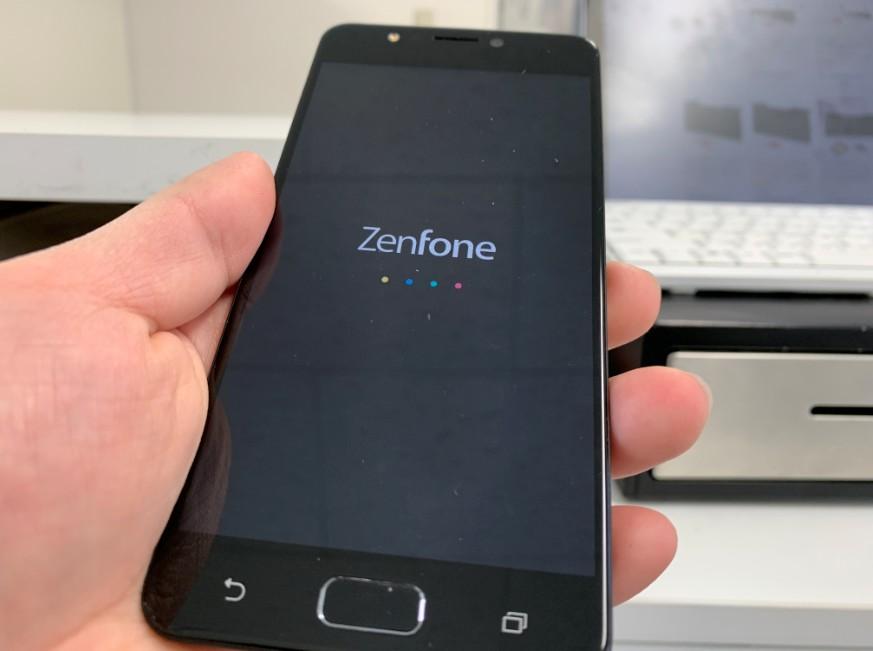 メンテナンスで電源が入るようになったZenFone 4 Max(ZC520KL)