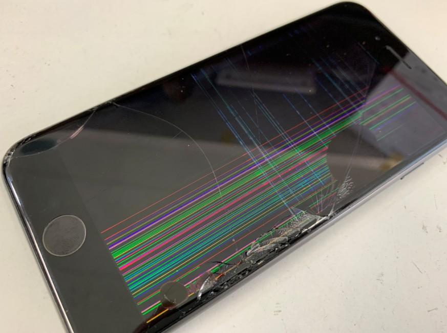 液晶画面が激しく損傷したiPhone6s