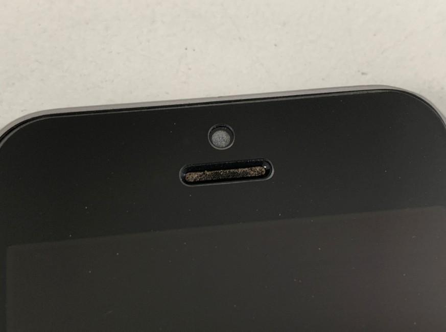 フロントカメラに埃が入って写真が白くなるiPhoneSE