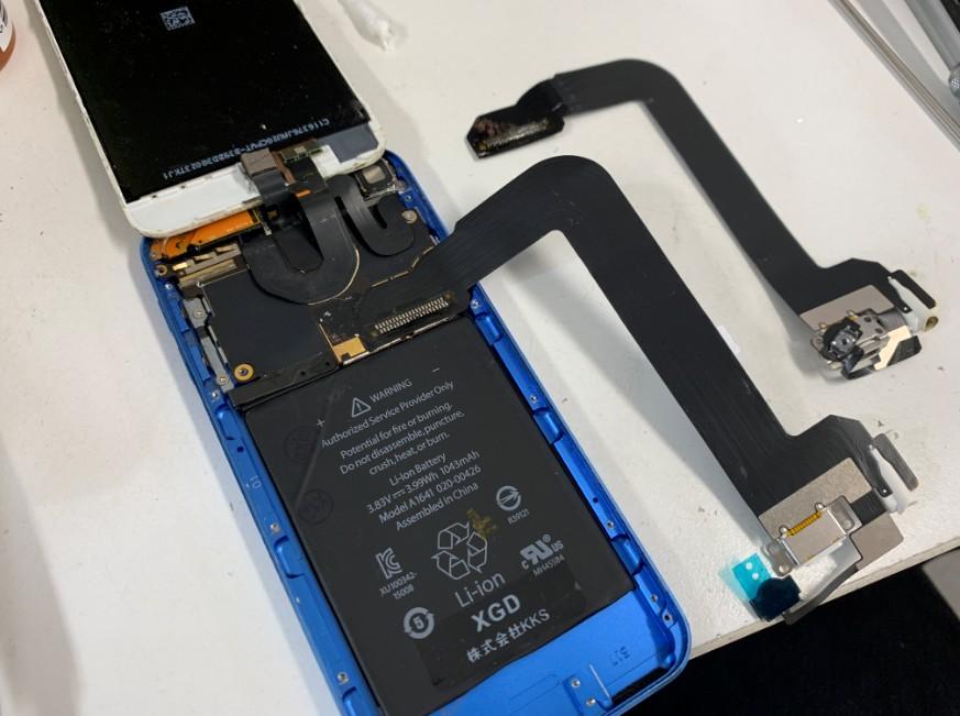 受電口ケーブルを交換したiPod Touch 第6世代