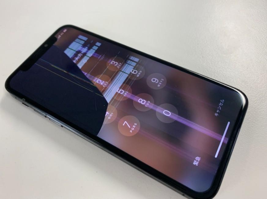 液漏れや線が入って層あ出来ないiPhoneXS