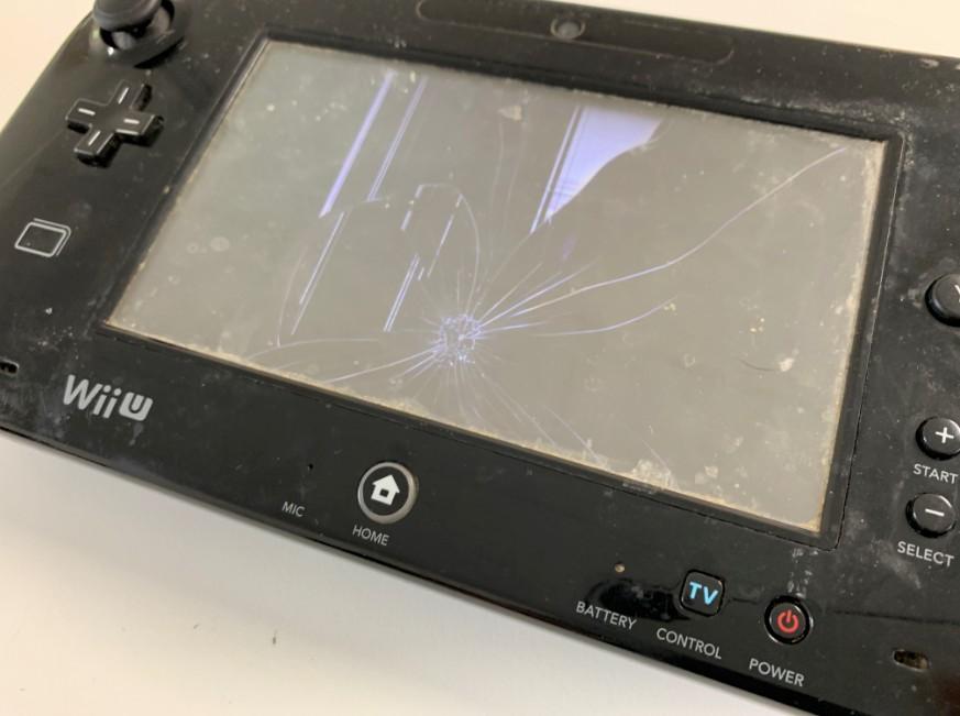 液晶画面が損傷したWiiU