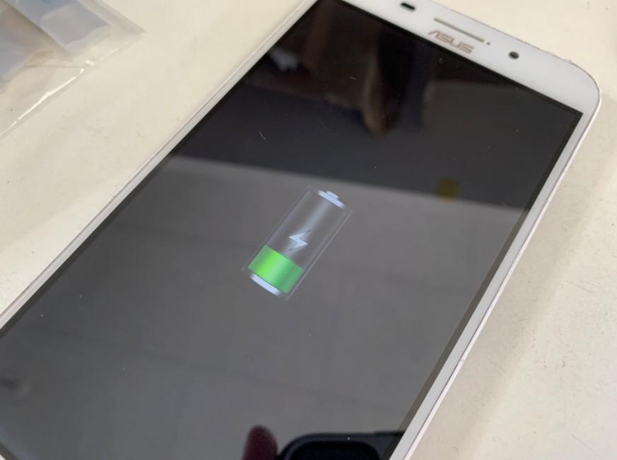 充電出来るようになったZenfone Max(Z010DB)