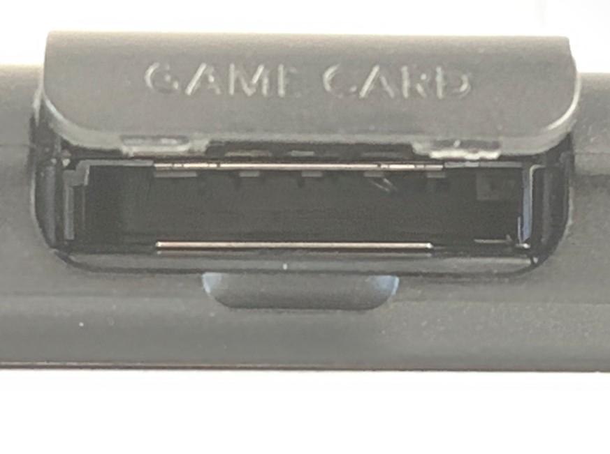 ゲームソフトを読み込むピンが折れているNintendo Switch