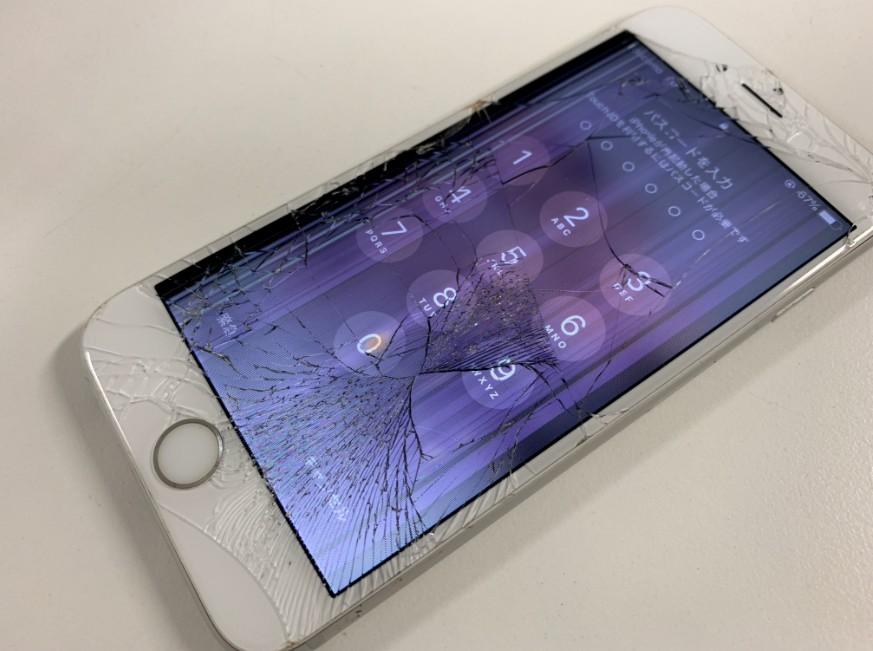 表面ガラスが割れて液晶画面が損傷したiPhone6s