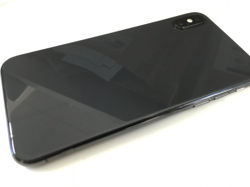 背面ガラス交換修理後のiPhone XS