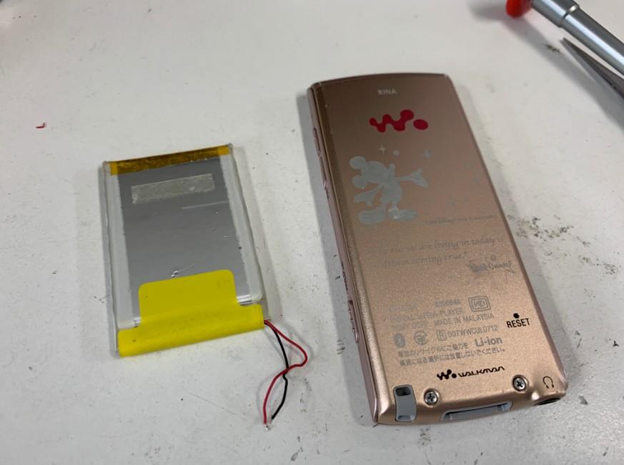 バッテリー交換で改善した水没して電源が入らなかったNW-S764