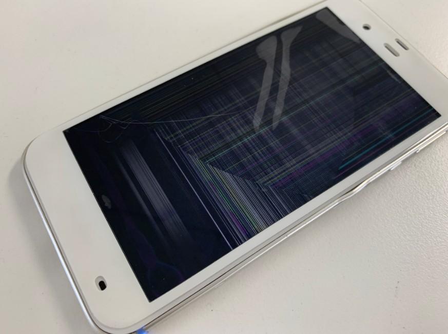 LCDが破損して操作出来ないAQUOS Xx3(506SH)