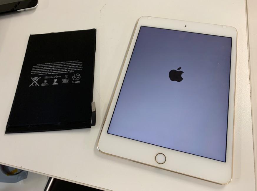 内蔵バッテリーを新品に交換したiPad mini4