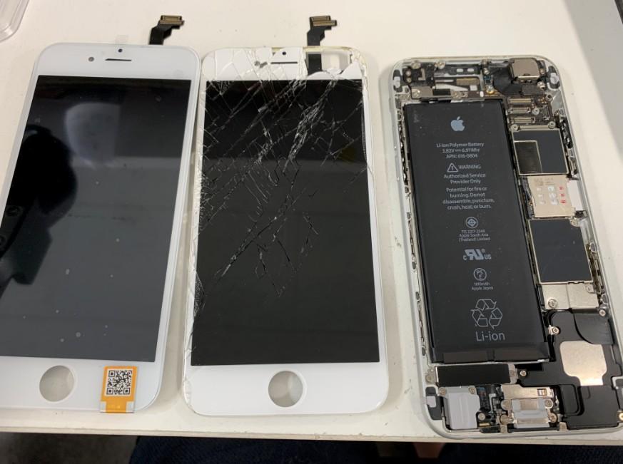 液晶画面交換修理途中のアイフォン6