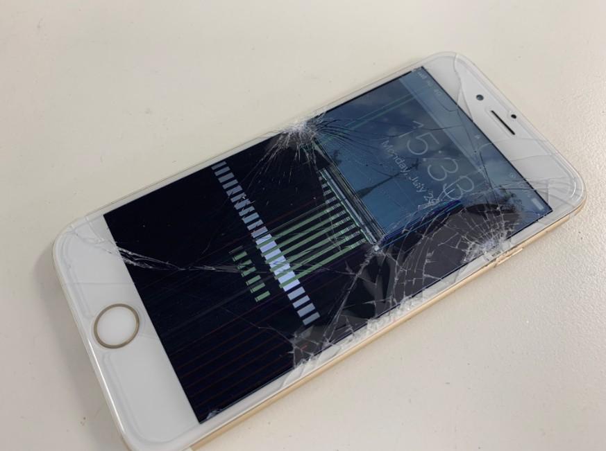 液晶画面が壊れたiPhone6
