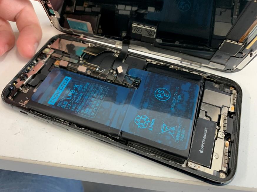画面とバッテリー交換して復旧したiPhoneX