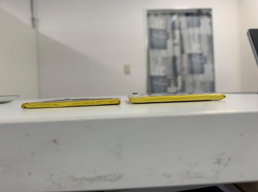 内蔵電池パックが倍以上に膨らんだゼンフォン3(ZE520KL)