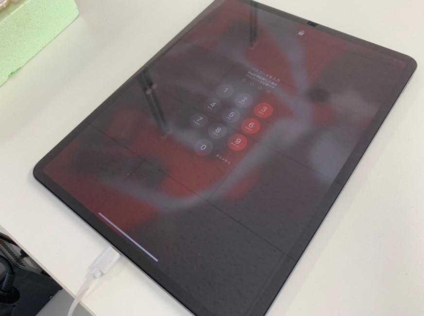 電源ボタン修理で電源が入るようになったiPad Pro 12.9 第3世代