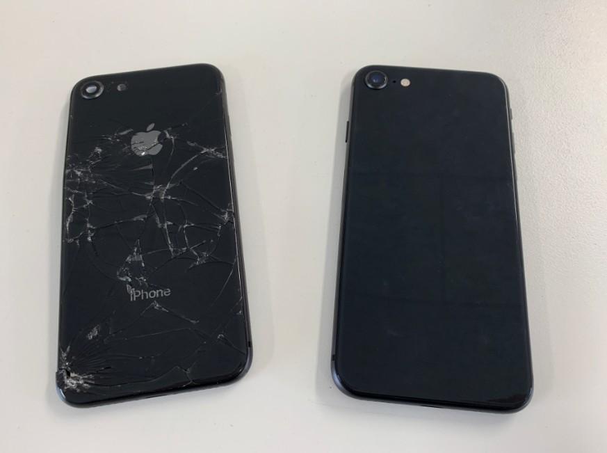 背面パネル交換修理後のiPhone8