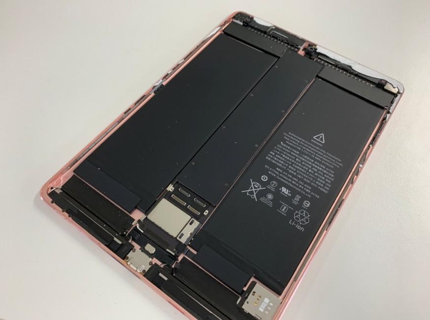 本体から画面を外したiPad Pro 10.5