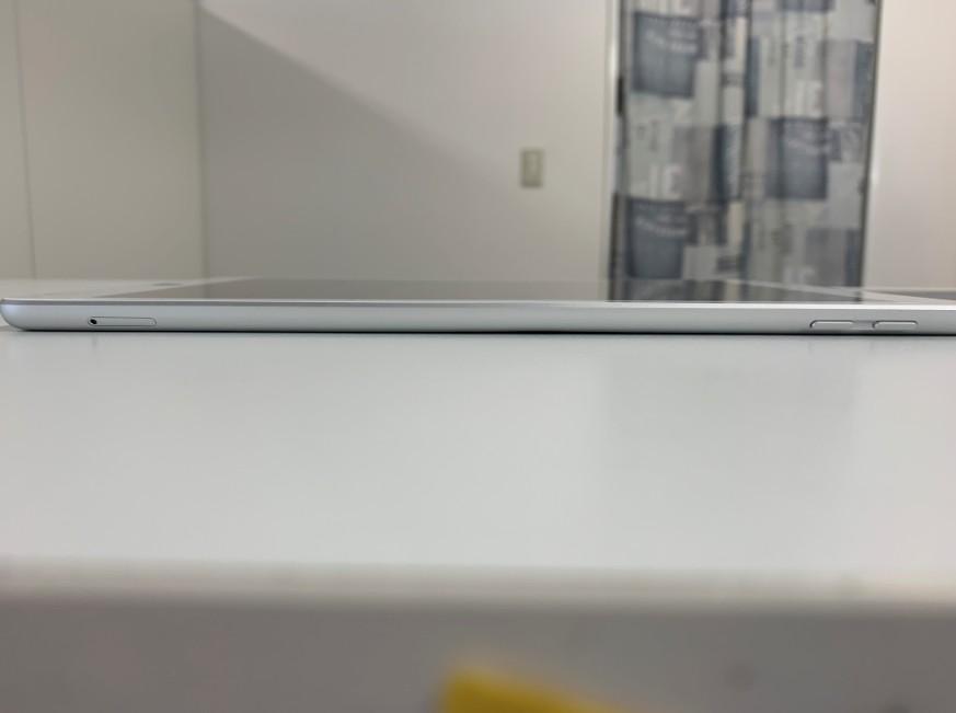 筐体を真っ直ぐに矯正したiPad5