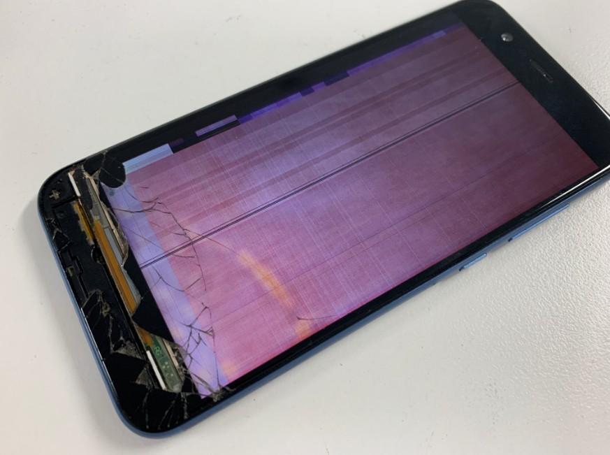 ガラスが割れたまま使用していたら表示が乱れて操作出来なくなったnova2