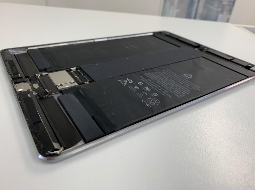 電池パックが膨張したiPad Pro 10.5