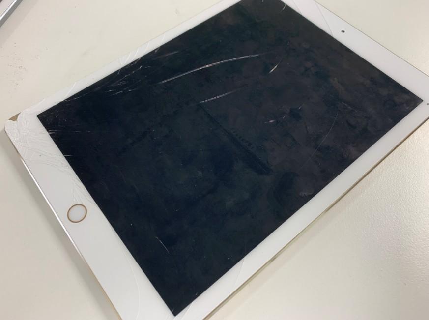 液晶画面が割れて電源が入らないiPad Pro 9.7