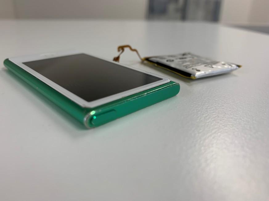 内蔵電池パック交換修理後のiPod nano7
