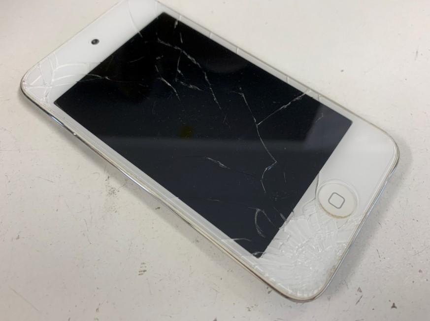 液晶画面が割れているiPod Touch 第4世代