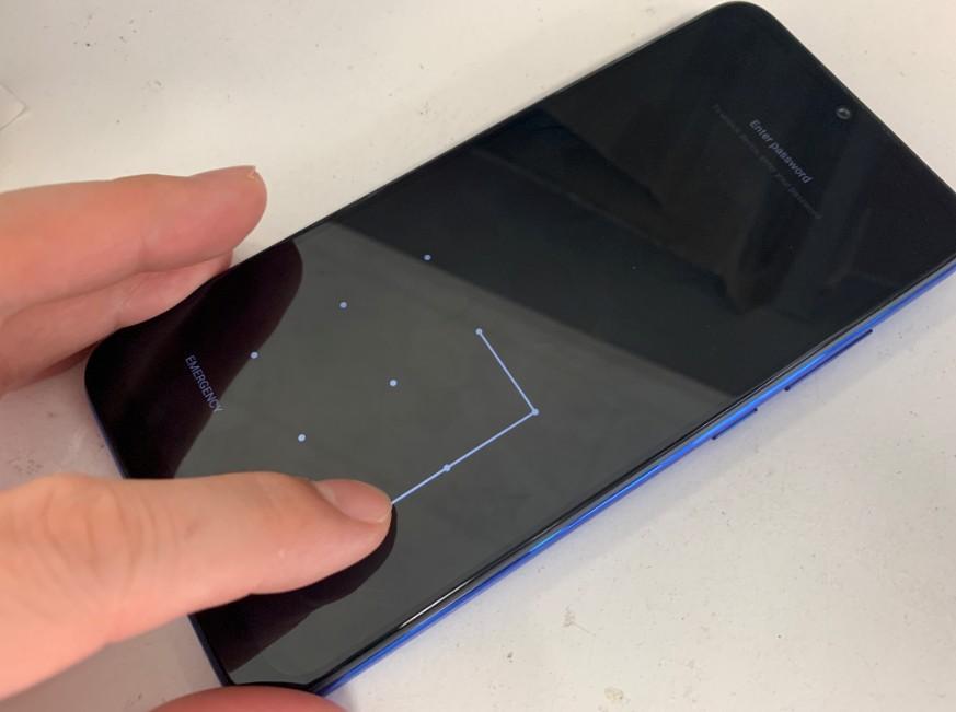 基盤洗浄で電源が入るようになったXiaomi Redmi Note7