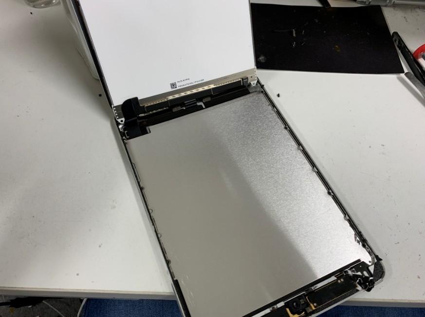液晶も剥がしたiPad mini2