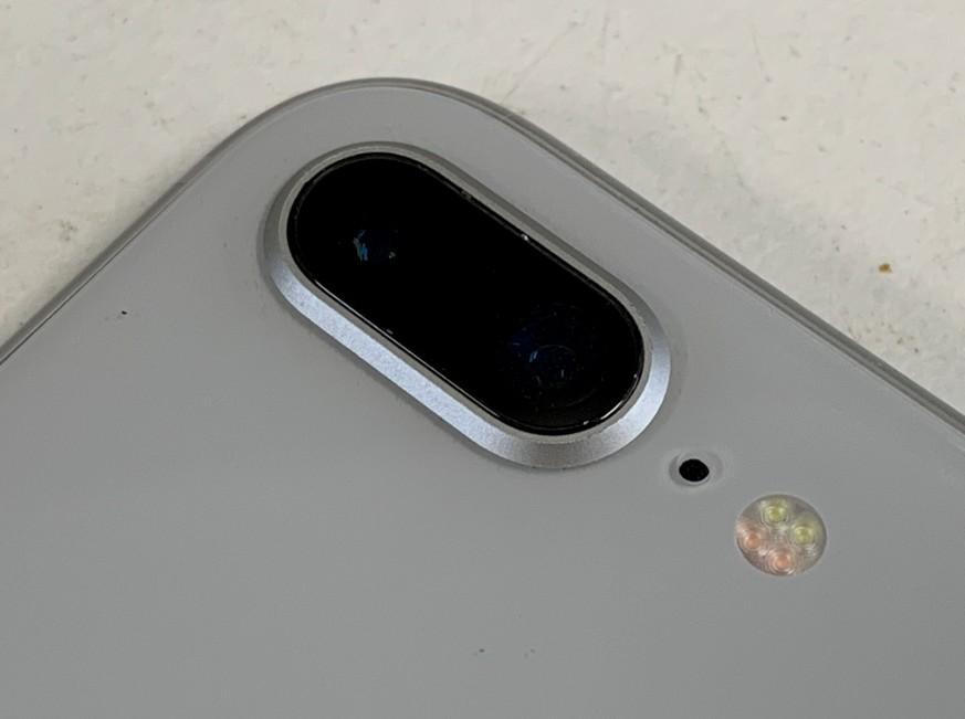 外カメラレンズ交換修理後のiPhone8Plus