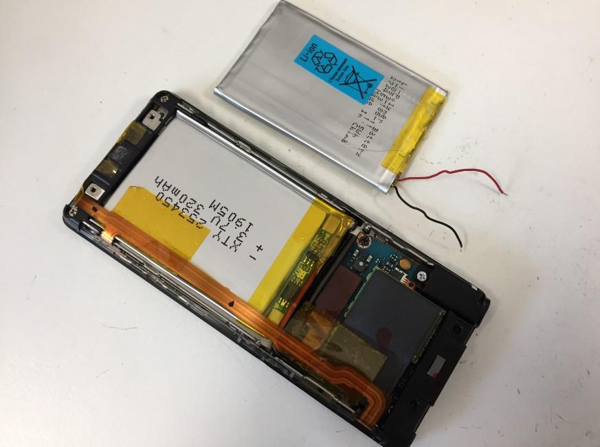 内蔵バッテリー交換修理途中のNW-S774