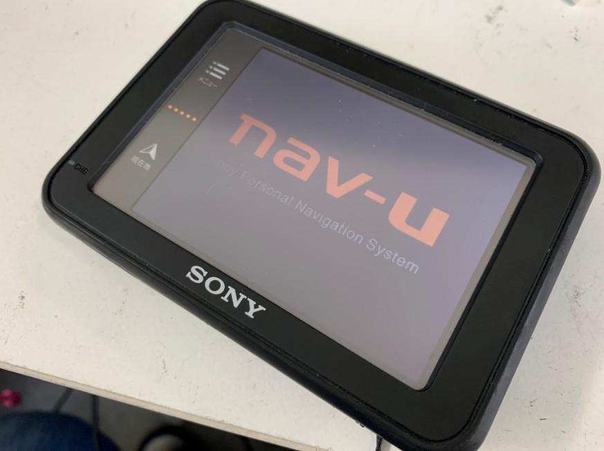 バッテリー交換で電源が入るようになったナブ・ユー(NV-U37)