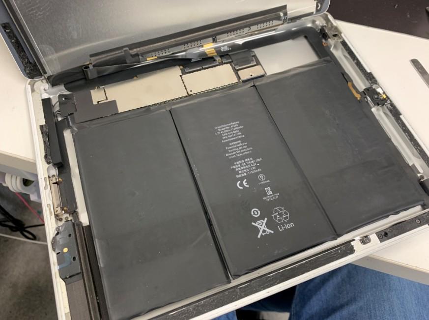 液晶を剥がしたiPad第3世代