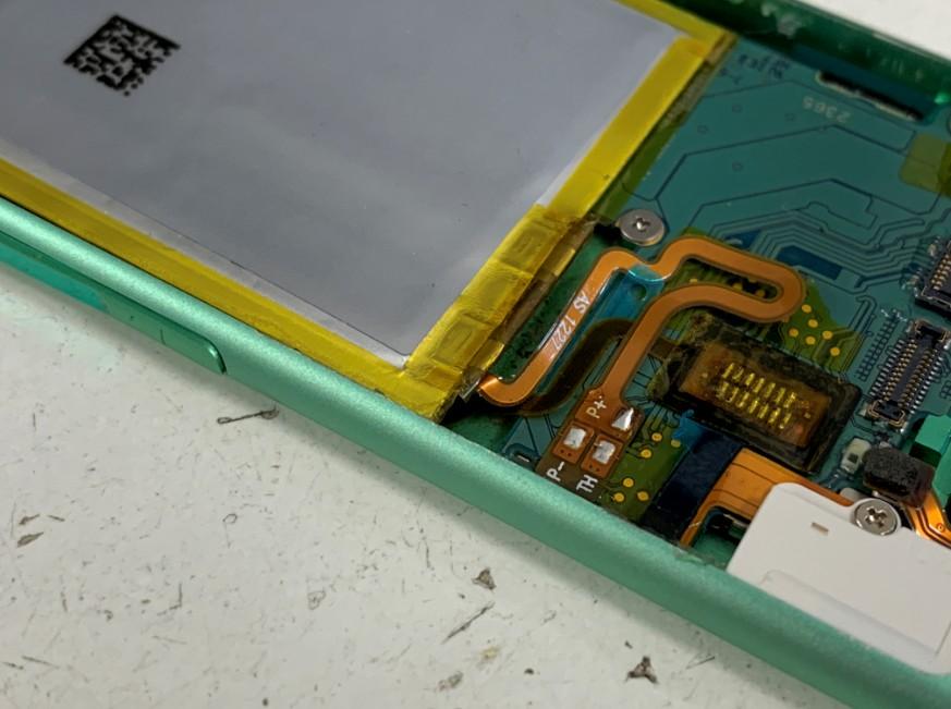 パターン修理ではんだ付け出来るようになったiPod nano 第7世代