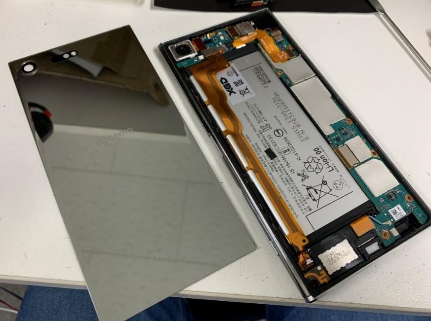 内蔵バッテリーを新品に交換したXperia XZ Premium(SO-04J)