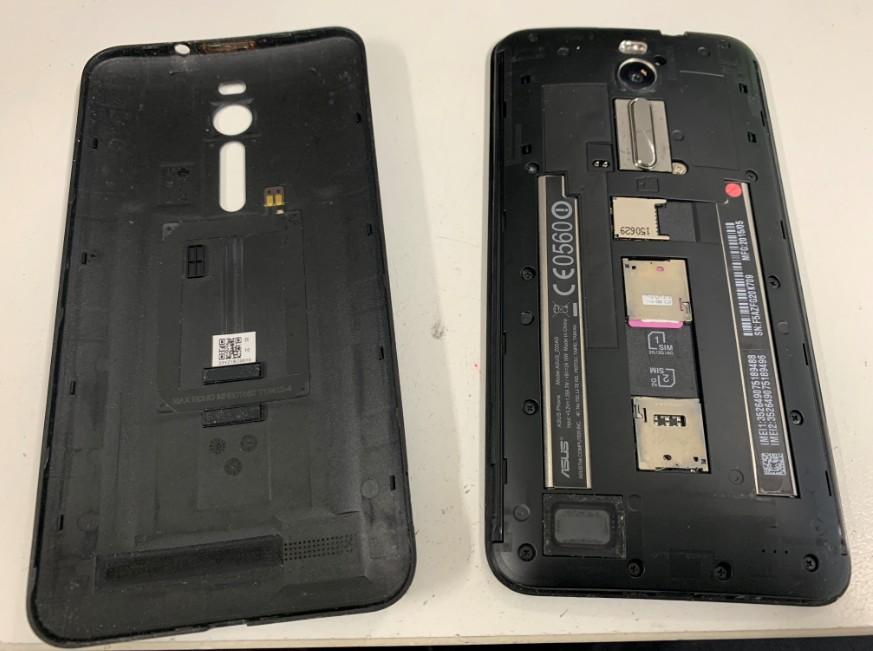 Zenfone2(ZE551MK)背面パネルを剥がしたZenfone2(ZE551MK)