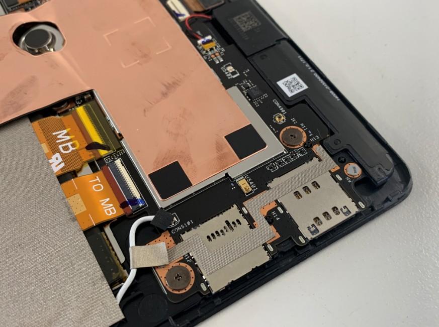 SIMカードが詰まっているZenpad(Z581KL)