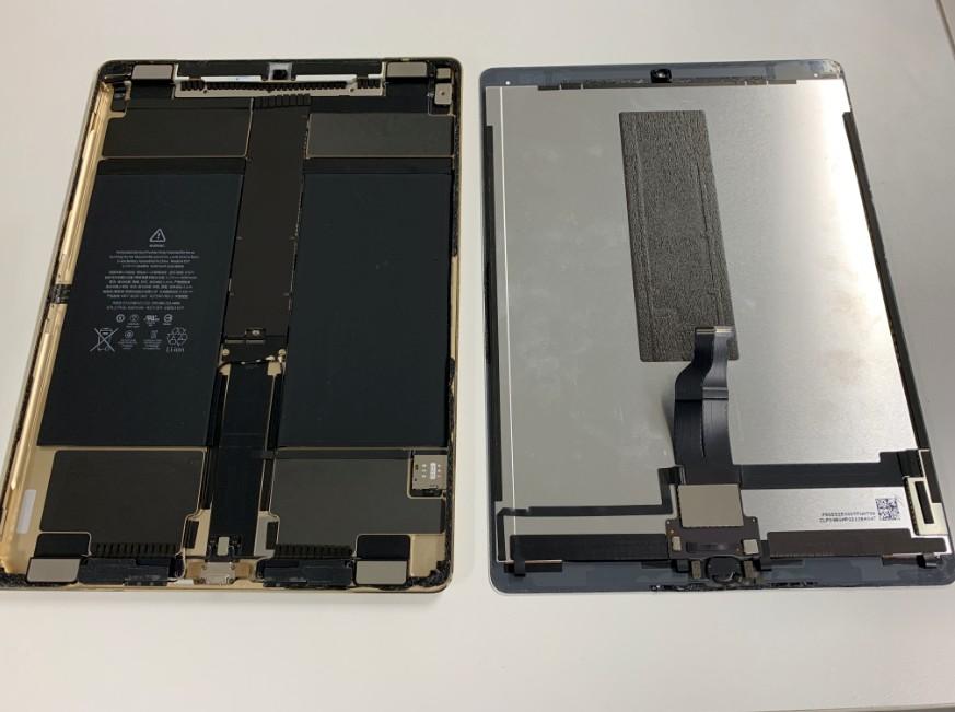 本体から液晶画面を外したiPadPro12.9第1世代