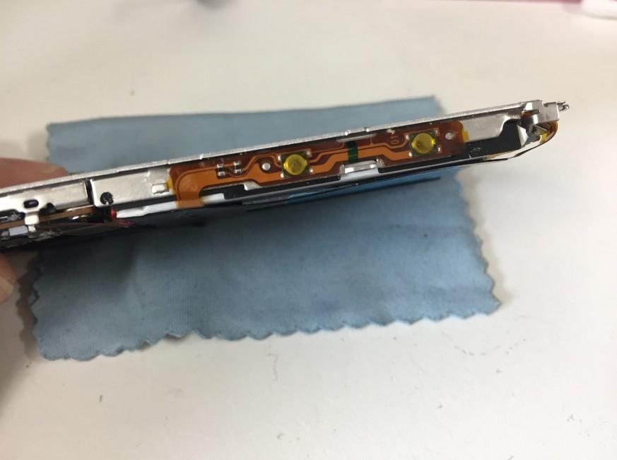 ボリュームボタンケーブルを交換したウォークマンNW-S14