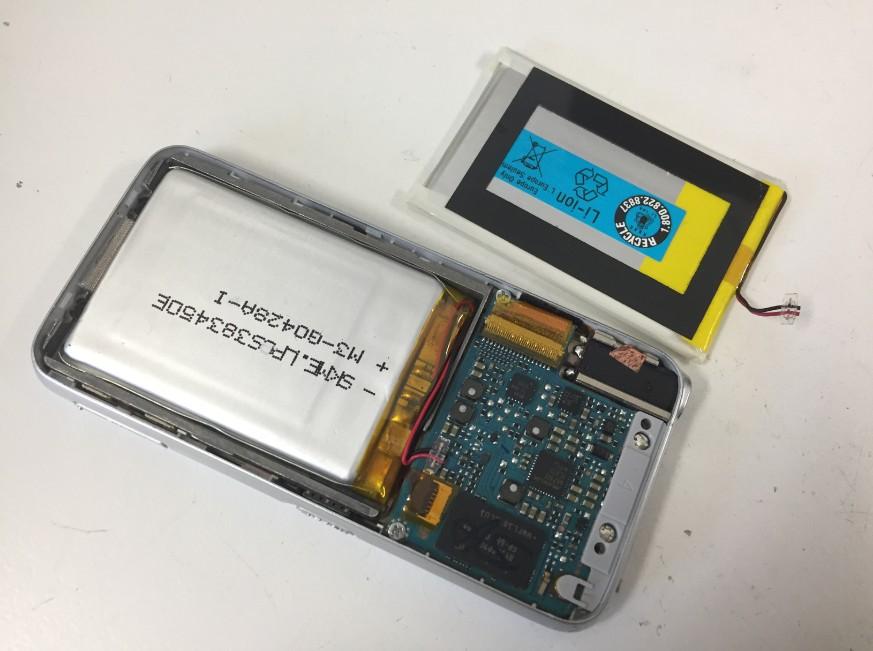 内蔵バッテリーを新品に交換したNW-S739F
