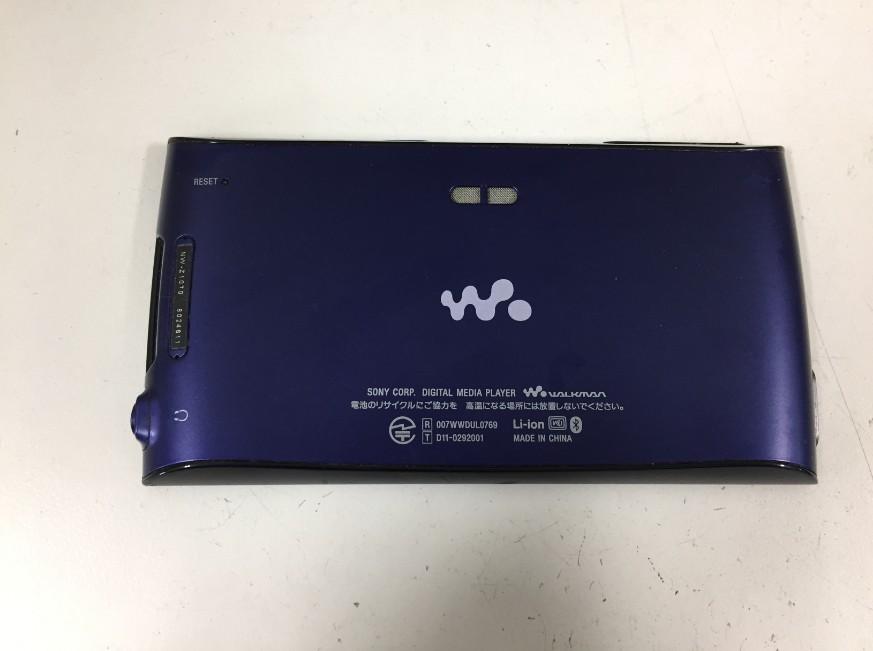 背面から分解を開始したWALKMAN NW-Z1070