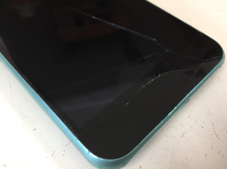 表面ガラスが割れて何も表示されなくなったAndroid One S1