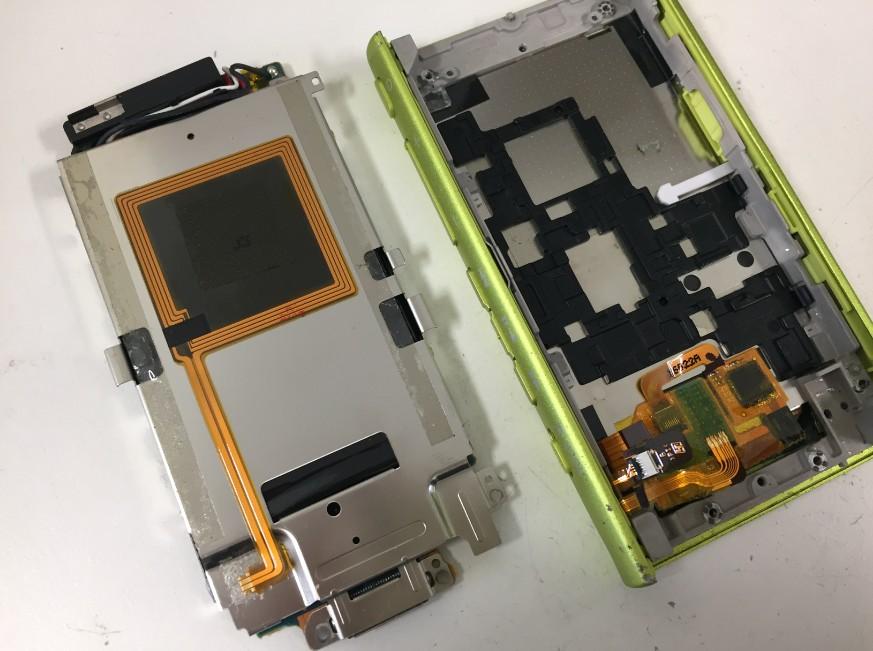 バッテリーごと基板を取り出したNW-A36