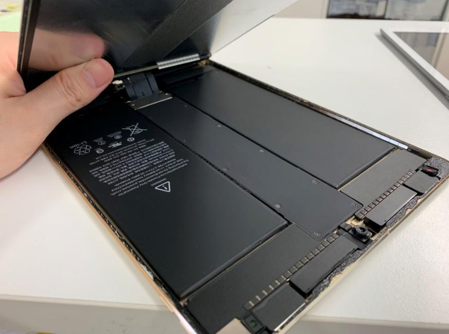 画面を開いたiPadPro 10.5インチ