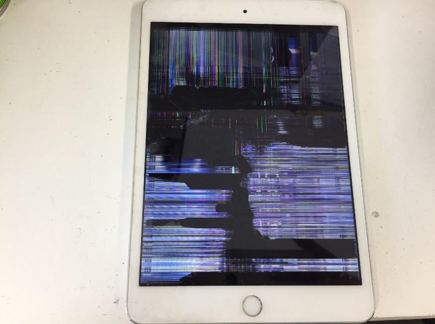 液晶画面が破損して操作出来なくなったiPadmini3
