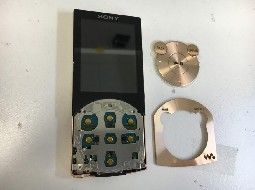 文字盤を剥がして分解中のNW-S746