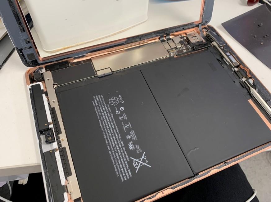 画面を開いたiPad第6世代