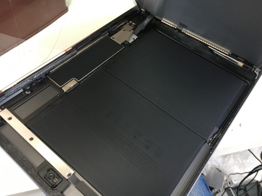 液晶も剥がしたiPad第7世代