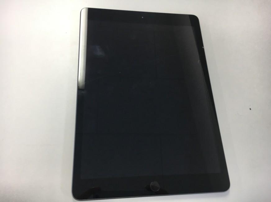 iPad第7世代のガラスにひび割れ