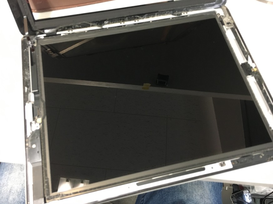 ガラスを剥がしたiPad第2世代